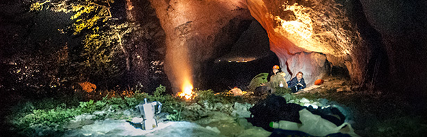 Monti Alburni con pernotto in Grotta Malacera
