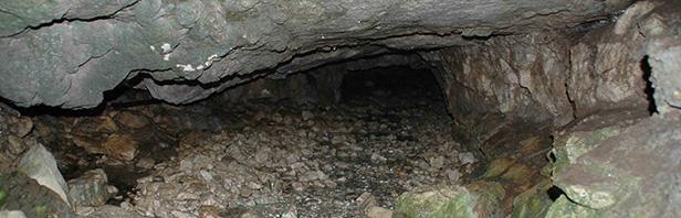 Monti Alburni: grotta dell'Acqua - rifugio Corcomone - rifugio Aresta - domenica 12 giugno 2016